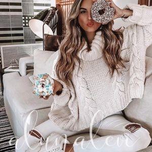 Sale! Cozy oversized chunky knit sweater